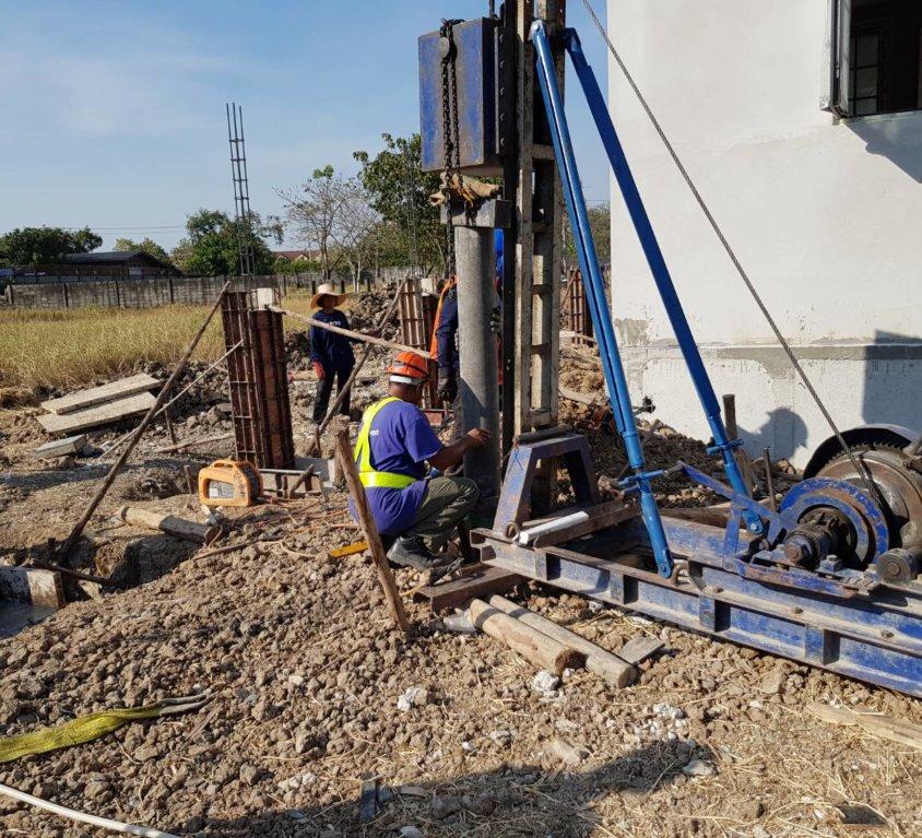 งานต่อเติม หมู่บ้านปัญญา-รามอินทรา เสาเข็มสปันไมโครไพล์ ขนาด20ซม. จำนวน4ต้น